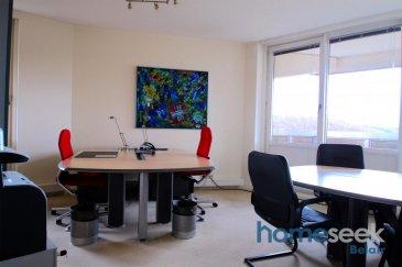 Homeseek Belair et Janette (691 111 623) vous présentent 2 bureaux d\'une surface de 19 m2 à 5 km du centre-ville, dans un cadre naturel verdoyant, offrant calme et tranquillité. <br><br>Le local met à votre disposition: <br>une salle de réunion, une cuisine équipée, un balcon, un WC, du mobilier de qualité, vous  offre un service secrétariat de base (back-up téléphonique, transfert d\'appel, distribution du courriel, etc),  l\'accès à l\'internet haut débit, l\'assurance (sauf votre équipement informatique), le nettoyage quotidien de votre bureau et vous permet de stationner votre véhicule gratuitement sur le parking extérieur.<br><br>Les charges comprennent électricité, chauffage et eau<br><br>Possibilité de louer d\'autres bureaux au même étage<br><br>Pour tous renseignements supplémentaires ou pour convenir d\'une visite, n\'hésitez pas à prendre contacte au numéro 691 111 623 ou par mail jdacosta@homeseek.lu<br />Ref agence :4921217-HB-JDC