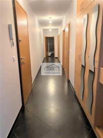 L'agence CIMOLUX vous propose un appartement situé à Schifflange avec  /-110m2.  L'appartement dispose un hall d'entrée, un salon/salle à manger avec sortie sur la terrasse et jardin, une cuisine équipée, 3 chambres, une salle de bain, une salle de douche, un garage box fermé et une cave.  Prix 925.000€  (frais d'agence compris 3%   Tva 17 % à la charge du vendeur)  Pour plus d'informations n'hésitez pas à nous contacter on parle français, allemand, luxembourgeois, anglais, portugais et italien.  Pour l'obtention de votre crédit, notre relation avec nos partenaires financiers vous permettront d'avoir les meilleures conditions.