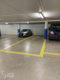 L'agence immobilière Christine SIMON, vous propose deux emplacements de voiture à Esch sur Alzette centre  rue du Canal, dans un nouveau parking intérieur. C?est des emplacements doubles, place en file (une derrière l'autre, Idéal pour camionnette ou bureaux).  Parking N° 5 et 7 Loyer mois/par emplacement  240 € Caution 1 mois de loyer Frais d'Agence 1 mois de loyer plus TVA Pour de plus amples renseignement n'hésitez pas à nous contacter au cs@christinesimon.lu Ref agence :Parking Esch