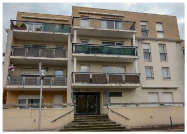 APPARTEMENT SANS TRAVAUX et EMPLACEMENT DE PARKING SOUTERRAIN  NOUS VENDONS, rue René CASSIN à METZ (Moselle), à quelques dizaines de mètres à peine de la gare SNCF du Nord desservant la ligne THIONVILLE – LUXEMBOURG (AR).  A proximité immédiate également de la ligne du METTIS ;   Un très bel appartement F2 de 52,93 m2 situé au calme au 1er étage d\'une résidence de qualité avec ascenseur.  Il comprend une cuisine aménagée et équipée ouverte sur une belle pièce à vivre de 30 m2 donnant accès à balcon de 8 m2. Une chambre avec son espace de rangement intégré, Une salle de bains de 4,40 m2, WC séparé.  Avec aussi un emplacement de parking souterrain pour une voiture ainsi qu\'un lot de cave.  *** Fenêtres double vitrage PVC OB *** Chauffage individuel au gaz de ville (chaudière de mars 2020) *** Accès pour Personnes à Mobilité Réduite. *** Charges annuelles de l\'ordre de 1380 € soit 115 €/mois.  L\'appartement est immédiatement disponible.  IL N\'Y A AUCUNS TRAVAUX à PREVOIR.  Il n\'y a pas de procédure en cours. Nombre de lots de la copropriété : 121  CONTACT :  Gérard STOULIG – Agent commercial au : 06 03 40 33 55.  Les frais d\'agence sont à la charge du vendeur.