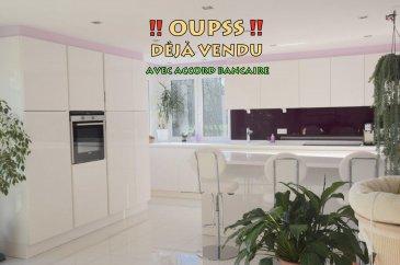L'agence IMMO LORENA de Pétange a choisi pour vous un magnifique appartement de 106 m2 plus une terrasse de 26 m2 et jardin privatif sans vis-à-vis de 50 m2 au REZ de CHAUSSÉE avec ascenseur situé à Soleuvre dans une petite résidence de 8 unités, à proximité des commerces, transports en commun et toutes commodités, il se compose comme suit:  - Un hall d'entrée d'une superficie de 4,43 m2 - Un double living de 29,75 m2  ouvert vers  la cuisine toute équipée de 17 m2 donnant accès à une  magnifique terrasse sud-est de 26 m2 et au jardin privatif de 50 m2 sans vis-à-vis. - Hall de nuit de 4,43 m2 amenant aux chambres de 14, 80 m2  11,60 m2 et 11,50 m2  - Un wc séparé de 1,6 m2 - Une salle de bain avec douche italienne de 6,10 m2   L'appartement dispose également de deux garages fermés dans la résidence et d'une cave de 7,73 m2  Un jardin privatif plein sud vient compléter ce bien.    A VOIR ABSOLUMENT!!!!  Pour tout contact: Joanna RICKAL: 621 36 56 40 Vitor Pires: 691 761 110   L'agence ImmoLorena est à votre disposition pour toutes vos recherches ainsi que pour vos transactions LOCATIONS ET VENTES au Luxembourg, en France et en Belgique. Nous sommes également ouverts les samedis de 10h à 19h sans interruption.