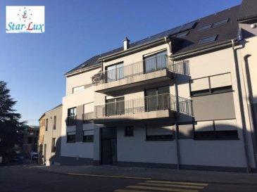 P R I X    T V A    R E C U P E R A B L E   !!! Appartement de 99.79 m2 + balcon de 6.08 m2, avec salon û salle à manger, cuisine entièrement équipée, 2 à 3 chambres à coucher, une salle de douche, toilette séparé, une cave de 2.61 m2. Possibilité d'acheter un garage double fermé (parking un à coté l'autre) de 34.71 m2 pour 59.007,-'. Infos : 621 17 60 10  Nouvelle résidence construite en classe BB avec 9 unités d'une à trois chambres, de 53, 21 à 137,45 m2, chauffage au sol, panneaux solaire, ventilation centralisée, cuisines entièrement équipées, peintures, caisson avec spots et led, garages simple et double fermés, accès handicapés.  Disponible de suite.  Ref agence :A4-C2-3-E1-MAR