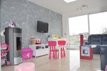 L'agence IMMO LORENA Lux sarl de Pétange a choisi pour vous une maison jumelée de 160 m2 habitables, insérée sur un terrain de 4,51 ares, située à Rodange dans une rue calme à proximité du centre et de toutes commodités ( écoles, aire de jeux, commerces) La maison se compose comme suit:      RDCH : -Hall de nuit de 6,43 m2 -Wc séparée de 1 m2 -Cuisine 23,23 m2 ouverte vers le salon 15,50 m2 et la salle à manger 17,11 m2 donnant accès à la terrasse       Premier étage : -Hall de nuit 3,73 m2 -Salle de bain de 4,01 m2  -Chambre de 14,32 m2  -Chambre 15,15 m2  -Bureau de 5,79 m2 -       Deuxième étage : -Hall de nuit 4,57 m2  -Salle de douche de 4,52 m2  -Chambre de 14,05 m2  -Chambre de 13,54 m2  -Bureau pas aménagé de 5,28 m2          TOTAL M2 :  145 M2 HABITABLES  Caractéristiques de la maison :  -Maison construite en 1960 et complètement rénovée entre 2014 et 2021 -Double vitrage en PVC  -Chauffage au gaz Dedietrich -Maison avec dalles en Béton -Un garage privatif -Terrasse et jardin de 3,5 ares -La maison se trouve dans une rue calme à proximité du centre et de toutes commodités ( écoles, aire de jeux, commerces)  -Grenier pas aménagé.  À VOIR ABSOLUMENT!  3% du prix de vente à la charge de la partie venderesse + 17% TVA Pas de frais pour le futur acquéreur   Pour tout contact: Joanna Rickal: +352 621 365 640 Vitor Pires: + 352691 761 110   L'agence Immo Lorena est à votre disposition pour toutes vos recherches ainsi que pour vos transactions LOCATIONS ET VENTES au Luxembourg, en France et en Belgique. Nous sommes également ouverts les samedis de 10h à 19h sans interruption.