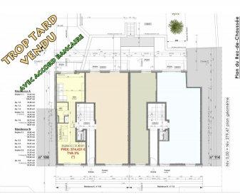 Votre agence IMMO LORENA de Pétange vous propose dans une résidence contemporaine en future construction de 8 unités sur 3 niveaux située à Pétange, 110, route de Luxembourg, appartement de 106.47 m2 décomposé de la façon suivante:  RDCH: - Un hall d'entrée de 11 m2 - Une cuisine de 14,82 m2 - Un coin de rangement de 4,27 m2 - Un salon de 18,64 m2  donnant accès a ta terrasse de 5,42 m2  PREMIER ETAGE: - Hall de nuit de 16,75 m2 - Une Chambre de 14,58 m2 - Deuxième chambre parentale avec douche de 13,43 m2 - WC séparé de 1,37 m2 - Salle de douche de 4,19 m2 - Terrasse faisant 4,72 m2  - Une cave privative, un emplacement pour lave-linge et sèche-linge au sous sol. Possibilité d'acquérir un emplacement intérieur (28.840 €)TTC 3%  Cette résidence de performance énergétique AB construite selon les règles de l'art associe une qualité de haut standing à une construction traditionnelle luxembourgeoise, châssis en PVC triple vitrage, ventilation double flux, radiateurs, video - parlophone, etc... Avec des pièces de vie aux beaux volumes et lumineuses grâce à de belles baies  Ces biens constituent entres autre de par leur situation, un excellent investissement. Le prix comprend les garanties biennales et décennales et une TVA à 3%. Livraison prévue juin 2022.  1,5% du prix de vente à la charge de la partie venderesse + 17% TVA Pas de frais pour le futur acquéreur   À VOIR ABSOLUMENT!  Pour tout contact: Joanna RICKAL: 621 36 56 40  Vitor Pires: 691 761 110  Kevin Dos Santos: 691 318 013  L'agence Immo Lorena est à votre disposition pour toutes vos recherches ainsi que pour vos transactions LOCATIONS ET VENTES au Luxembourg, en France et en Belgique. Nous sommes également ouverts les samedis de 10h à 19h sans interruption.