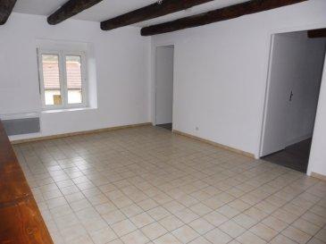 Appartement de type F3, refait à neuf :  Cuisine / Salle de séjour / 2 Chambres / Salle de bains avec WC Chauffage électrique