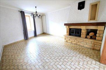 Mieux qu\'un appartement &excl; <br />Venez découvrir cette maison au coeur du charmant village d\'AMANVILLERS&period;<br /><br />Concernant l\'agencement :<br /><br />Belle entrée avec cuisiné séparée, salon avec cheminée, wc et montée d\'escalier&period;<br /><br />En demi niveau, une grande terrasse carrelée<br /><br />A l\'étage, 2 chambres &lpar;22m² et 13 m²&rpar;, Salle de bain avec wc et trappe d\'accès pour des combles aménageables&period; <br /><br />Garage avec porte motorisées <br /><br /><br />Informations complémentaires : <br />- pas de copro&excl; <br />- Pas de travaux <br />- Taxe foncière &plus;|- 600 &apos;<br />- Toiture en bon état<br />- Possibilités de faire des pièces supplémentaires en combles &excl;