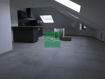 Tempocasa vous propose ce bel appartement totalement rénové idéalement situé à Audun-le-Tiche. Il se compose d'une cuisine équipée ouverte sur séjour, 3 chambres à coucher et une sale de douche. Pour plus d'informations contactez nous Ref agence :160