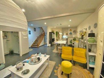 Maison à Esch -sur-Alzette  rénovée ( fenêtres triple vitrage PVC au RDC, double vitrage PVC à les étages, chaudière à gaz à condensation de 2015) des années 1950 avec 1 are terrain et   d'une surface  d'environ 170m²,  proche de zone commerciale, Hôtel de ville,transport en commun.   RDC   -  hall d'entrée;  -  double living / Salle à manger (+/- 41m2) - cuisine équipée très bonne qualité,  accès à la terrasse  - WC séparé - bar   - 1 chambre ( +/- 17,5m2)   1er étage:  - Suite parentale avec dressing (+/- 24m2) - Salle de douche italienne complet  sortie vers terrasse   2ième étage:  - 1 chambre enfant (+/- 10m²) - 1 chambre enfant (+/- 9m²) - 1 chambre enfant  (+/-12m2)  Grenier - possibilité de faire une salle de jeux ou bureau  Cave: - Buanderie sèche linge - Débarras et chaufferie