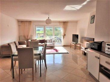 L\'agence CIMOLUX vous propose un appartement/duplex avec une superficie de +/-134m2.<br><br>Le duplex dispose un hall d\'entrée, une cuisine équipée séparé, un salon/salle à manger avec sortie sur la terrasse, un WC séparé, une salle de bain, 3 chambres, une salle de douche, un balcon, un garage box fermé, une cave et un grenier aménageable.<br><br>Prix 734.000€ <br>(frais d\'agence compris 3% + Tva 17 % à la charge du vendeur)<br><br>Pour plus d\'informations n\'hésitez pas à nous contacter on parle français, allemand, luxembourgeois, anglais, portugais et italien.<br><br>Pour l\'obtention de votre crédit, notre relation avec nos partenaires financiers vous permettront d\'avoir les meilleures conditions.