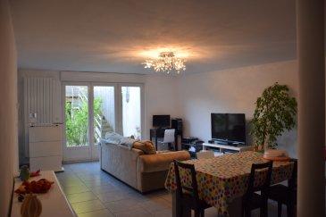 Appartement Lorry Les Metz 6 pièce(s). Au calme dans un immeuble de 2 logements entièrement rénové en 2011 avec entrée indépendante,F6 en triplex de 185m²,comprenant 5 chambres, une salle de bain avec baignoire, une salle de douche,salon-séjour avec accès sur terrasse ,cuisine équipée,buanderie. Une autre terrasse de 50m² Deux garages 265.000€ Copropriété de 7 lots (Pas de procédure en cours). Charges annuelles : 800.00 euros.