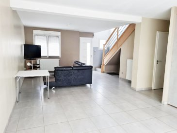 GUENANGE : jolie maison dans nouveau lotissement comprenant une cuisine équipée ouverte sur salon-séjour, 4 chambres, salle de bains + douche, garage, terrasse et jardin clôturé.