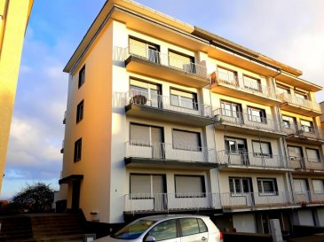 IMMO-SUD vous propose en exclusivité ce bel appartement très lumineux et bien agencé, situé au 2ième étage d'une petite résidence à 4 appartements (sans ascenseur)  dans une rue très calme et proche de toutes commodités. Près du