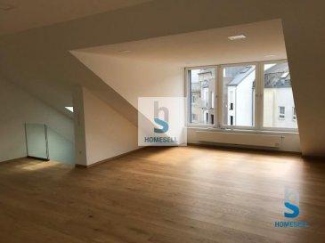 A LOUER  - Appartement-duplex situé dans le quartier de la gare, complètement rénové au 3ième étage d'un Immeuble à 4 unités d'une surface de  /- 130m2.  Honoraires d'agence: 100% du loyer   TVA 17%  Pour une visite de ce bien veuillez nous contacter au  352 28 11 22-1 ou par e-mail : info@homesell.lu Ref agence : 54