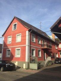Maison de ville de 243 m2 à Oberhausbergen  Au rez-de-chaussé se trouvent un séjour de 26 m2, une cuisine contemporaine de 16m2, une chambre de 19m2 et une salle d'eau.  L'étage accueil trois chambres de 30m2 - 22m2 - 10m2, un dressing et une salle d'eau  Les combles ont été aménagés avec une 5em chambre de 15m2, une salle d'eau et un bureau de 10m2 pouvant être transformé en 6em chambre  Une terrasse dans le toit de 18m2, une grande cave voûtée et un parking couvert complètent l'équipement de cette maison  Honor. 2,50 %