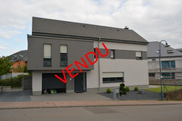 Fisimmo, votre spécialiste dans l'immobilier à Bergem, vous propose cette maison de +/- 200 m2 libre de 4 côtés situé dans un quartier très calme à Bertrange. Set maison dispose de 4 grandes chambres à coucher, de 3 salles de bain,un WC sépare, une grande buanderie, un dressing, 4 parking Ext, un garage, une terrasse de +/- 20 m2.  N'hésitez pas à nous contacter pour plus de renseignements +352 621 278 925