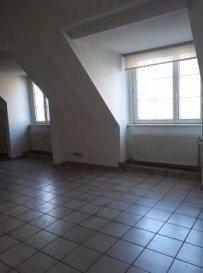 Studio à louer au Centre de Esch !!<br><br>Le Studio dispose d\'une grande pièce lumineuse offrant, cuisine semi-équipée, salle de bain, buanderie....<br><br>- Disponible de suite!!<br><br><br><br> <br />Ref agence :5367673