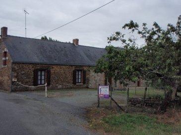 BAISSE DE PRIX -. REF 4090 : A environ 2 km du bourg de Saint-Aubin des Châteaux, dans village, belle longère en pierres apparentes,  habitable immédiatement. Elle comprend de plain-pied une cuisine, 1 salon séjour avec cheminée, 3 chambres , 1 salle d\'eau,,  1 wc; 1 buanderie.  Un grenier aménageable. Terrain d\'environ 2000 m²  attenant + Une petite dépendance et terrain non  attenant.<br/>Prix net vendeur : 84000 €<br/>Honoraire agence : 6000 €<br/>DPE : E 260<br/>Contacter Jacqueline EXPERT au 0615262694 ou 0240553968.<br/>www.igor-immobilier.com dont 7.14 % honoraires TTC à la charge de l\'acquéreur.