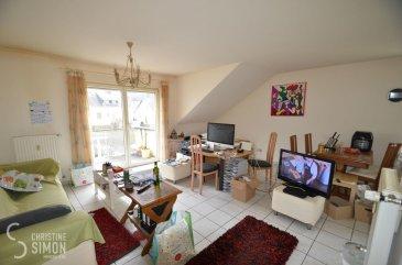 L\'agence immobilière Christine Simon Sàrl ayant un mandat exclusif vous propose un appartement d\'une superficie totale d\'environ 52,28 m2 situé à PERL (D) au prix de 215.000€. L\'appartement est actuellement en location.<br>Idéal aussi pour un investisseur !<br><br>Description de l\'appartement au 2ème étage:<br>- Appartement Nr. 10 d\'environ 52,28 m2. Kitchenette équipée ouverte vers le salon/living avec accès au balcon. 1 chambre à coucher et une salle de douche/baignoire, toilette ainsi qu\'un petit débarras. Une cave et un emplacement voiture à l\'extérieur.<br>L\'appartement nécessite des travaux de rénovation.<br><br>La localité PERL (D) se trouve au coeur des 3 frontières, l\'Allemagne le Luxembourg et la France. Perl est une localité agréable à vivre aussi bien pour des jeunes que pour les personnes âgées. Dans la commune et celles voisines se trouvent de nombreux commerces, écoles p.ex. école fondamentale et le Lycée de Schengen ainsi que des crèches accessibles à pied. L\'entrée de l\'autoroute Saarebruck-Luxembourg est à quelques minutes en voiture.<br><br>Distances de Perl à:<br>02 km à L-Schengen<br>24 km à D-Merzig<br>27 km à D-Saarburg<br>45 km à L-Kirchberg<br><br>Pour plus d\'informations, n\'hésitez pas à contacter l\'agence par eMail: info@chrisitinesimon.lu ou par téléphone: +352 26 53 00 30.<br>Les honoraires d\'agence sont à charge de l\'acquéreur  (3,57 %). <br><br><br><br /><br />Die Immobilienagentur Christine SIMON GmbH mit Alleinauftrag, bietet Ihnen zum Verkauf eine Eigentumswohnung mit einer gesamt Wohnfläche von ungefähr 52,28 qm gelegen in Perl (D) zum Preis von 215.000€.<br>Die Wohnung ist zurzeit vermietet. <br>Geeignet auch für Investoren !<br><br>Beschreibung der Wohnung im 2 t\'en Stock:<br>- Wohnung Nr. 10 von ungefähr 52,28 qm. Eine offene und eingerichtete Einbauküche mit Wohnraum und Zugang zur Terrasse. Ein kleiner Abstellraum und 1 Schlafzimmer, ein Duschraum mit Toilette. Dazugehörend ein Aussenstellplatz und ein Keller