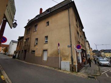 Immeuble de Rapport  /- 400 m²  Composé de de 11 unités  les superficies des différents appartements:  Rdc:       studio 0/1:             37.66 m²               appartement: 0/2: 43.90 m²  Palier:    studio 1/1:               20.30 m²  1 étage: appartement 1/2:   33.60 m²               appartement 1/3:   57.99 m²   2 étage: studio 2/1:              27.40 m²               appartement 2/2:   44.00 m²               appartement 2/3:   31.50 m²   3 étage: studio: 3/1              23.82 m²               appartement 3/2:   43.01 m²               appartement 3/3:   35.34 m²   Superficie locative total:    398.52 m²  Les charges du bâtiment sont de 496.30€ par mois  Le bâtiment ne dispose pas de cadastre vertical.    L'agence KISSEL Immobilière vous propose des objets sélectionnés, pour répondre à la demande de notre clientèle. Estimation gratuite de votre bien.  Alexandre 27 62 12 35 Ref agence :4680104