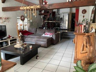 Location à 5 minutes de Rohrbach. A louer dans un village à 5 minutes de Rohrbach les Bitche, direction Sarreguemines<br/>Bel appartement lumineux de 110 m²<br/>Offrant une cuisine équipée, ouverte sur un grand un séjour, trois chambres, salle de bains carrelée<br/>Grande terrasse de près de 40m²  et double garage, chaudière à condensation <br/>Libre au 1er novembre<br/>Loyer: 600 € hc + 30€ de charges (provision sur eau froide, Teom)<br/><br/>Contact Nord sud immobilier<br/>Rohrbach les Bitche / Bitche / Sarreguemines<br/>03 72 64 01 02