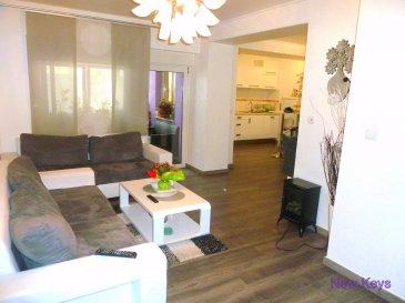 ** Sous compromis **     New Keys vous propose ce magnifique duplex, situé dans une rue calme proche de toutes commodités. Situé au rez de chausée et premier étage d'une petite résidence de seulement 2 unités, cet appartement / duplex se compose de la manière suivante:  Au RdC : Un hall d'entrée, Salle à manger, Cuisine équipée, Une chambre, Toilette séparée, Buanderie, Cave,   Au 1er étage: 1er chambre (+-17m2), 2ème chambre (+-16m2), Bureau, Salle de bain avec baignoire,  Pour compléter une cave et un garage fermé. Pas de travaux à prévoir.  N'hésitez pas à me contacter au 661 120 388 ou par mail info@newkeys.lu pour plus d'informations ou une éventuelle visite.