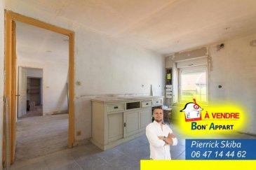 À VISITER !!!<br /><br />Pierrick de l\'agence Bon\'Appart vous propose à Saint Jean-lès-BUZY à 15 min de CONFLANS-EN-JARNISY dans un village calme cet appartement T2 de 75 m2 habitable.<br /><br />Au sein d\'une copropriété de 8 lots principaux.<br />Charges annuelles 0 euros<br /><br />Cette petite maison désignée comme un appartement se compose de :<br />- au rez-de-chaussée : une entrée, une pièce faisant office de buanderie.<br />- à l\'étage : une salle d\'eau avec w.c, cuisine, séjour et une chambre.<br />- au second étage se trouve un grenier.<br /><br />Un jardin d\'environ 150m2 complète ce bien avec la possibilité de construire une garage ou une extension du bien.<br /><br />Les fenêtres sont en PVC double vitrage, la toiture est récente ainsi que l\'électricité. La plupart des pièces sont isolées et plaquées.<br /><br />CONTACTEZ MOI ! <br />06 47 14 44 62 <br />pierrick.s@bon-appart.fr<br />Pierrick SKIBA / Agent commercial - Numéro RSAC : 882 043 995 - BRIEY