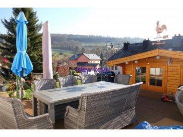 New Keys vous propose cette belle maison libre de 3 côtés à Beringen (Mersch)  Elle se compose de : Au rez-de-chaussée : 1 hall d'entrée  1 chambre de +-12m2 avec un espace bureau 1 salle de bain (douche, double vasques, wc)  Au rez-de-jardin : 1 salon/salle à manger 1 cuisine (à rénover), avec possibilité d'agrandissement 1 terrasse de+-30m2 1 jardin  1 maisonnette  Au premier étage : 2 chambres de +-12m2  Pour compléter cette offre, le bien dispose de 1 garage box fermé 3 emplacements extérieurs 1 cave   Pour tous renseignements et/ou visites veuillez contacter le 661 120 388 ou info@newkeys.lu