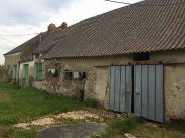 Maison 5 pièce(s) 100 m2. Au calme dans un hameau.<br>Proche axe Nantes Rennes ancienne ferme à rénover comprenant cuisine, salon, 3 chambres, salle de bains, wc, cave, grenier entièrement aménageable, attenant à la maison une étable d\'environs 60m² et un hangar de plus de 200m² ainsi qu\'un garage bardé de tôle de 50m² le tout sur 1520m² de terrain.<br>Classe énergétique: vierge<br>Réf N° 3665<br>IGOR IMMOBILIER<br>au 02 40 79 01 23 ou  06 66 94 12 47<br>www.igor-immobilier.com  <br>Prix HAI : 115 400euros dont 4.68% honoraires TTC à la charge de l\'acquéreur dont 4.68 % honoraires TTC à la charge de l\'acquéreur.<br>