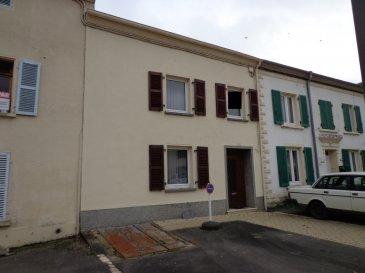 BELARDIMMO vous propose une très belle maison de village avec Annexe située à Rettel, à 5min de la frontière Allemande Perl et Luxembourgeoise Schengen, la maison est entièrement à Rénover et est composée comme suit:<br><br>RDC<br>-Hall D\'entrée <br>-Salon<br>- Salle de douche avec WC<br>- Cuisine<br><br>Au 1er<br><br>-3 chambres <br>- 2placards<br>- Accès aux grenier 55m²<br><br>Il y a une petite cours entre la maison et l\'annexe qui est composée comme suit<br><br>-cuisine équipée<br>- une chambre<br>- Accès au jardin<br>- Grand espace qui reste à aménager<br><br>A voir Absolument!!<br />Ref agence :5939668