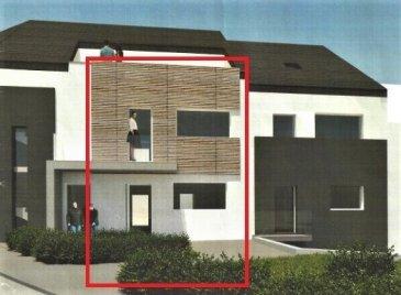 Cet appartement « duplex » neuf de ± 123m² livrable en mai 2020 est situé dans le village pittoresque de Syren sur la commune de Weiler la Tour au sud-est de Luxembourg-ville.   Il se compose comme suit : (la redistribution des pièces est encore possible)   Au rez-de-chaussée : d'une entrée de ± 12m² avec vestiaire ; d'un séjour / salle à manger de ± 37m² avec sa baie vitrée donnant sur la terrasse de ± 19m² ; d'une cuisine de ± 15m² pouvant être ouverte sur le séjour ; d'un WC séparé.   Au 1er étage : d'une chambre de ± 17m² avec son dressing de 13m² ; d'une salle de douche de ± 8m²   avec double vasque, douche et WC; d'une chambre de ± 13m² ; d'un bureau ou chambre d'un enfant de ± 7m²   Au sous-sol avec un accès privatif ; de 2 emplacements de parking ; d'une cave.   Généralités :   • Immeuble neuf, passeport énergétique « A-A » • Proximité de Luxembourg-ville et de Gasperich (Cloche d'Or) • Triple vitrage • Frais d'enregistrement basé sur le prix du terrain et l'avancement des travaux   Prix avec TVA à 17% - € 765.000 Prix avec TVA à 3% - € 715.000 (après acceptation de l'Administration de l'enregistrement)   Contact :              Jimmy de Brabant :      +352 661 167 494
