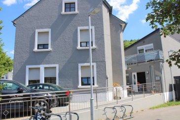 !!!!!!!!!!!!!!!!!! IDEAL POUR DEUX FAMILLES !!!!!!!!!!!!!!!!!!!!!!!!!!  Maison d'habitation (surface habitable:  /- 250 m2, surface totale:  /- 300 m2) avec chauffage central, partager en deux maisons ou maison et commerce (profession libérale) avec des rentrées complètement séparées.  1er Maison de  /-139,41m2 habitable;    hall d'entrée, séjour, living/salle à manger avec feux ouvert, cuisine équipée, 3 chambres à coucher, salle de bains, WC sépare, débarras, et une grande cave.  2e Maison de  /-108,49 m2 habitable;  hall d'entrée, living/salle à manger, cuisine équipée, 2 chambres à coucher, bureau, salle de bains avec raccordement machine à laver et balcon.               dalles en béton / double vitrage Deux emplacement devant la maison complete le tout.  Pour plus de renseignements ou une visite (visites également possibles le samedi sur rdv), veuillez contacter le 691 850 805. Ref agence :347