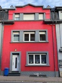 PROX'IMMO vous propose un appartement à vendre de 50 m2 avec 1 chambre, cuisine équipée et séparée avec accès sur une belle terrasse de 26m2 , salle de douche en plein centre de Niederkorn. A proximité des transports en commun, des commerces, école.  Pour les visites merci de contacter Monsieur Lehssini 691 231 299