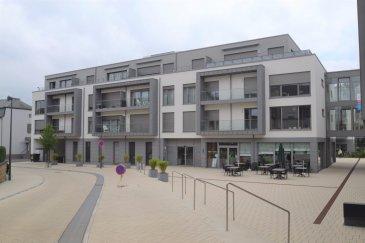 Cet appartement meublé, libre de suite, situé au deuxième dans la résidence Edengreen (résidence-services pour des personnes âgées d'au moins de 55 ans), se compose comme suit :   un hall d'entrée de ± 6 m2, une cuisine équipée ± 12 m2, un living de ± 31 m2 avec accès au balcon de ± 15 m2, deux chambres de ± 10 et 13 m2, un palier de ± 8 m2, une salle de douche de ± 8 m2, un WC séparé ± 3 m2 et un débarras qui sert aussi de buanderie de ± 7 m2 ainsi qu'une cave et un emplacement voiture au sous-sol.  http://www.edengreen.lu/  5 ENGAGEMENTS Parce que votre bien-être est notre priorité, nous nous engageons à vous fournir un lieu de vie privilégié alliant confort, sécurité, convivialité et ce, en totale indépendance grâce à notre offre de services haut de gamme.   Engagement n°1 - Respect de votre vie privée  Engagement n°2 - Vos envies, votre liberté Organisez votre quotidien sans aucune contrainte. Plus besoin de s'occuper des repas, du nettoyage, des poubelles, de l'entretien du jardin, tous ces services sont à votre disposition dans la résidence, vous pouvez désormais profitez de votre temps en toute liberté.   Engagement n°3 - Une ambiance conviviale  Engagement n°4 - Une résidence sécurisée La sécurité est assurée 24/24 avec possibilité de premiers soins.   Engagement n°5 - Un mot d'ordre : Qualité Qualité humaine et qualité des services. Une équipe qualifiée répondra à tous vos besoins présents et futurs. L'exigence tant pour le personnel que pour les services proposés !   SERVICES DE CONCIERGERIE ET D'HÔTELLERIE La société HEIN est le partenaire de EdenGreen qui vous proposera ses services au quotidien.    Pour les repas: Si vous le souhaitez, les repas sont servis au restaurant ou dans votre appartement. Le restaurant est ouvert aux personnes externes, de façon à ce que vous vous sentiez libre d'inviter qui vous voulez à votre table.   Pour vous aider au quotidien, nous vous proposons des services pour vous faciliter la vie à tout moment : • Services d'accompa