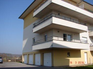 Dans une résidence sympathique,au 1er étage,  beau F3 de 71 m² garage privé, une cuisine équipée  ouverte sur un balcon, un bel espace salon séjour avec terrasse, deux chambres, salle d'eau , wc séparé, une place de parking; libre 10/10/2018 loyer 660€ +50€ de charges Ha 500€ +160€ état des lieux