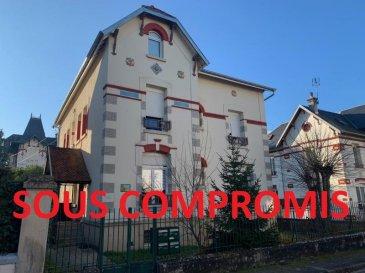 IMMEUBLE DE CARACTÈRE.  SOUS COMPROMIS ---------------------------------------- SOUS COMPROMIS ----------------------------VITTEL - CENTRE VILLE - à deux pas des commerces et du centre thermal, investissez dans un immeuble de caractère en bon état, composé de 4 appartements, dont 1F1, 1F2, et 2F4, le tout sur sous-sol complet avec caves pour chaque lot, ainsi qu\'un jardin avec cour. Toiture récente, façade et communs en bon état. Revenus locatifs 21 600 EUR annuel.<br> PRIX : 315 000 EUR<br> AGENCE IMMOBILIERE VENNER à METZ 03 87 63 66 38 / 06 08 66 59 44