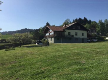 Proche GERARDMER   Maison d\'habitation de 160 M2 sur terrain plat de 4000 m2 au calme   Cuisine, salon/séjour, 6 chambres, grande véranda, grand s/sol, garage 2 voitures,  Panneaux photovoltaïques.