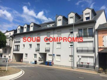 +++ SOUS COMPROMIS  +++   Magnifique APPARTEMENT , au premier étage d'une résidence au centre ville , proche de toutes commodités..  Cet appartement de 79,63 m²+ terrasse +/- 11m2 , se compose comme suit:  Hall d'entrée , grand living ouvert sur balcon, cuisine équipée séparée , deux belles chambres à coucher , salle de douche , débarras   A la description de ce bien s'ajoutent une cave privative ET UN EMPLACEMENT INTERIEUR d'une surface de 20m2  Situation très calme , vue dégagée ...