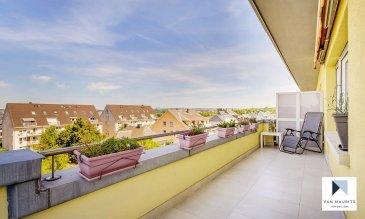 *** BIEN D'EXCEPTION + VUES IMPRENABLES***  Situé à Howald, quartier contigu à Bonnevoie proche de Luxembourg-ville, au dernier étage d'une copropriété soignée de 8 unités avec ascenseur, cet appartement profite d'une vue panoramique et dégagée sur la ville (Kirchberg, Belair et Bertrange) et la forêt de Hesperange. L'ascenseur conduit jusqu'au 3ème étage, le dernier étage étant accessible par les escaliers. Rénové, l'appartement d'une surface habitable nette de ± 55 m² se compose comme suit:  Le hall d'entrée ± 5 m² avec espace buanderie ± 1 m² (ancien wc séparé pouvant aisément être retransformé) dessert une cuisine indépendante ± 8 m² aménagée et équipée IKEA et un lumineux séjour ± 20 m² avec accès à la terrasse ± 37 m² orientée sud-est et équipée d'une marquise électrique.  Le hall d'entrée dessert ensuite une chambre à coucher ± 14 m² avec salle de bain en suite ± 5 m² (baignoire, lavabo, wc suspendu et sèche-serviettes). Dans la chambre, une porte-fenêtre s'ouvre sur la grande terrasse ± 37 m² orientée sud-est et nord-ouest. Cette terrasse contourne l'appartement, offrant une vue panoramique et sans vis-à-vis sur les environs.  Au rez-de-chaussée, une cave privative ± 2 m², un petit jardin ainsi qu'une buanderie commune complètent l'offre.  Détails complémentaires :  Appartement en très bon état, rénové en 2014 ; Grande terrasse ± 37 m² (360°); Vues et luminosité exceptionnelles ; Double vitrage, volets électriques ; Environnement calme (zone 30km/h) ; Avances sur charges : 225 €/mois (couple avec enfants) : Situation idéale : proche de Luxembourg-ville (2,5 km), des accès autoroutiers et de toutes commodités (gare, transports publics, commerces, écoles, …).  Agent responsable : Florian Apolinario E-Mail : florian@vanmaurits.lu Mobile : (+352) 691 110397