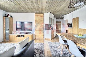 RE/MAX, Enrico Xillo et Joao Ferreira, spécialistes de l'immobilier à Luxembourg, vous proposent en exclusivité ce magnifique appartement en vente à Schifflange.  L'appartement saura vous séduire par ces finitions haut de gamme. D'une superficie totale de 60,11 m2 cet appartement est composé d'une grande chambre avec salle de bain, d'une pièce ouverte pour bureau ou chambre, d'un grand séjour, d'une cuisine équipée, d'un WC séparé et d'une terrasse de 5 m2.  À cela s'ajoutent une grande cave de 15 m2, un emplacement intérieur et 35 m2 de jardin privatif.  Disponibilité à convenir.  Veuillez nous contacter pour plus d'informations : - Joao Ferreira : 691 298 136 - Enrico Xillo : 691 117 865