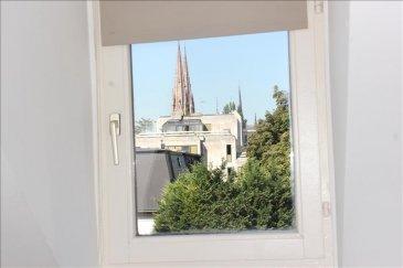 Situé au 3e et dernier étage avec un belle  vue dégagée dans un  immeuble ancien a proximité de l\'Observatoire, venez visiter ce charmant 2 pièces composé d\'un séjour, d\'une cuisine, d\'une chambre avec placards et d\'une salle de bain avec wc&period; <br /><br /><br />Loyer 550 &plus; 90 &lpar; chauffage collectif au gaz&period;&rpar;<br />DPE E<br /><br />Frais de location et état des lieux 390 &apos;<br /><br />Contact Virginie Diss 06 73 15 37 92