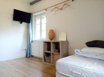 studio 10m2 - Strasbourg.  A louer, studio meublé de 10.43m2 au 3ème et dernier étage d\'un petit immeuble dans le quartier de la petite france. il se compose d\'une pièce principale avec un kitchenette et une salle d\'eau avec WC. Eau chaude et chauffage individuel électrique. Le studio est disponible au 17/11/2021.<br> Loyer : 520EUR charges comprises (dont 40EUR de provision sur charges avec régularisation annuelle). Dépôt de garantie : 960EUR. Honoraires à la charge du locataire : 135.59EUR TTC (dont 31.29EUR pour l\'état des lieux).