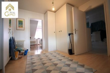 Charmant appartement d\'\'une chambre à coucher avec une surface habitable de +/- 65 m² à Howald à seulement 5 minutes de Luxembourg-Ville.<br><br>Celui-ci se compose comme suit: <br><br>Grand hall d\'entrée (coin bureau possible),<br>Spacieuse chambre à coucher avec accès salle de douche,<br>Salle de douche avec wc,<br>Cuisine entièrement équipée ouverte sur living/salle à manger.<br><br>A ce-là s\'ajoutent: une cave, buanderie et jardin commun.<br><br>Pour tout renseignements complémentaires ou une visite (visites également possibles le samedi sur rdv), veuillez contacter le 28.66.39.1.<br />Ref agence :72492