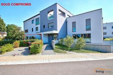 ***SOUS COMPROMIS***Magnifique appartement d\'une surface habitable de 77,00 m², situé au rez-de-chaussée d\'une résidence construite en 2014. Le bien dispose également d\'une belle terrasse (19 m²) encadrée par de généreux espaces verts.  L\'appartement dispose également au sous-sol d\'un emplacement intérieur pour 2 voitures, ainsi qu\'une cave privative.   DESCRIPTION: Rez-de-chaussée: (surface habitable 77,00 m²) - hall d\'entrée (13,50 m²)  - WC séparé (1,60 m²) - cuisine équipée ouverte (13,50 m²) - séjour (21,45 m²) avec accès à la terrasse (18,91 m²) et au jardin commun - 1 chambre à coucher (14,20 m²)  - 1 salle de bain et de douche (7,50 m²)  - terrasse   Sous-sol:  - 1 emplacement intérieur pour 2 voitures - 1 cave   Les communs: - buanderie - local poubelle - local vélo - jardin  SITUATION GEOGRAPHIQUE: A toute proximité de la ville, le bien est situé dans le village pittoresque de Tuntange (Commune Helperknapp). Les habitants de la résidence profitent d\'un arrêt de bus à 50 m (lignes 265 et 267).  DISTANCES: Luxembourg-Ville à 19 km Redange sur Attert à 13 km  CONTACTS: - Bureau                00352  27 80 83 59 - Pascal POOS      00352  621 36 20 26 Ref agence : 3497631