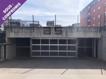 A.S. Real Estate vous propose à la vente un emplacement de parking intérieur situé dans un sous-sol entièrement sécurisé par une double porte d'accès à Kayl.   Pour de plus amples informations ou pour convenir d'une visite, n'hésitez pas à nous contacter au (+352) 621 274 674 ou à info@as-estate.lu.