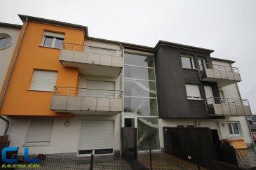 Petit appartement meublé se situant au deuxième étage d\'une belle résidence avec ascenseur, (construction de 2013). Se compose d\'une cuisine équipée ouverte sur salon et avec accès sur le balcon, d\'une chambre a coucher, d\'une salle de douche ainsi que d\'une cave et d\'un emplacement de parking intérieur. Pour une à deux personnes max.  Loyer: 1050 €/mois Charges: 130€/mois Caution : 2 mois de loyer=2100€ Frais d\'agence: 1 mois de loyer +TVA à charge du locataire    Ref agence :DCVGM15-19_2