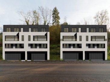 ELITE IMMOBILIERE vous propose un nouveau projet de 4 maisons de haut de gamme.  ( Une maison est déjà réservée )  Situé dans le Nouveau quartier, le projet  NEI WEE - GREIVELDANGE vous propose 4 maisons ( 2x2 maisons unifamiliale jumelées) à l'architecture contemporaine et épurée avec des finitions de haut de gamme.  Les maisons disposent de 5 chambres à coucher réparties en 3 chambres dont 1 avec sa salle de douche et une salle de bain commune au premier étage, 2 chambres avec 1 salle de bains commune au troisième étage avec accès sur la terrasse.  La deuxième étage est dédié au salon/sàm de 55,79 m2 avec une cuisine semi ouverte de 8,50 m2. Une terrasse au deuxième et au troisième étage, un ascenseur privatif, un grand jardin de trois niveau à l'arrière de la maison complètent le tout.   Tout en étant seulement à 20-25 mn de Kirchberg, vous serez tout près de la Moselle dans une ambiance calme et reposant.   Prix de vente : 1.370.000 euros (TVA mixte)  Pour plus de renseignements, veuillez nous contacter au 26 311 943 ou Volkan BILSEL au 621 490 737