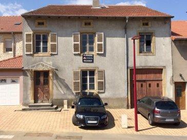 Sancy :  Maison jumelée de 211m² sur 7,8 ares de terrain, vaste espace jour au RDC, 4 chambres à l'étage, comble aménageable, Garage.  Le tout à restaurer entièrement, belles possibilités.   DPE non concerné, absence de chauffage.     www.lenoir-immobilier.fr