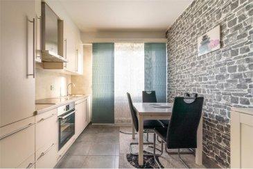Veuillez contacter Mathieu Bossennec pour de plus amples informations : - T : +352 661 521 730 - E : mathieu.bossennec@remax.lu  REMAX, Spécialiste de l'immobilier, dans la commune de Pétange vous propose ce magnifique appartement à la vente à Pétange. Situé au rez-de-chaussée, dans une résidence avec seulement 6 unités, joli, spacieux et lumineux, il dispose de 3 chambres, d'un balcon, d'un garage privatif, d'une grande cave privative ainsi que 2 emplacements privatifs.   Très bien situé, dans un quartier résidentiel calme, vous trouverez toutes les commodités, à quelques mètres à pied. (Bus, Gare, Magasin, Médecin, écoles, pharmacies, ...)  Il se compose comme suit :   - Un hall d'entrée accueillant et spacieux qui dessert toutes les autres pièces.  - Une cuisine entièrement équipée et séparée, très fonctionnelle, éclairée par une lumière naturelle et avec un espace repas.  - Un grand salon d'environ 20 m², aussi spacieux que lumineux, donnant accès au balcon bien exposé.  - 3 belles chambres (La première de 17 m², la seconde de 14 m² et la troisième de 10 m²).  - Une salle de bain avec baignoire, évier et vasque.  - Un WC séparé.  D'autres atouts importants complètent ce très bel appartement :  - Un grand garage privatif.  - Une grande cave privative.  - Deux emplacements privatifs.  Plusieurs possibilités d'aménagements sont possibles au sein de l'appartement. ------  Une buanderie commune et une cave commune sont accessibles pour les résidents.  Pas de travaux prévus dans la copropriété.  Belles prestations.  Visite virtuelle, livre virtuel et plan disponibles sur demande.  Frais d'agence RE/MAX : 3 % du prix de vente à la charge de la partie venderesse + TVA