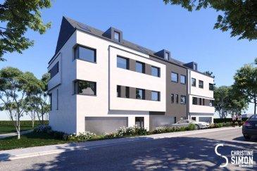 Prochainement en construction 3 maisons prochainement en construction à Redange-sur-Attert,  dans la rue de la Gendarmerie. Lot 1, 2 et 3 Chaque maison a une surface habitable de 190m2,sur des terrains de 2,19, 3,28 et 3,45 ares :possibilité d'aménagé le grenier  de 40 m2 au prix supplémentaires de 50 000 '. Les maisons se compose comme suit: au rez-de-chaussée: garage double, salon d'été, cave, terrasse avec accès au jardin; 1er étage: grand séjour avec salle à manger et cuisine de 63,52 m2, vestiaire et wc séparé; 2ème étage: 3 chambres, salle de douche et buanderie; 3ème étage (grenier) de 40m2 aménageable pour chambre parentale avec salle de bain et dressing. Performance énergétique minimale: BBB   Les maisons sont vendues clés en main avec toutes garanties, mais il est aussi possible d'acquérir seulement le terrain avec plans et autorisations !  Plans et cahier de charges disponibles sur demande !!! Contactez Christine SIMON tel. 621189059ou au cs@christinesimon.lu Ref agence :5338842