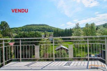 ***VENDU***Bel appartement avec balcon sis au 1ier étage d\'une Résidence construite en 2006 située à Helmdange d\'une surface habitable de 74,30m2.<br><br>DESCRIPTION:<br>Etage 1: (74,30m2)<br>- hall d\'entrée <br>- WC séparé avec raccordement machine à laver<br>- cuisine équipée ouverte sur séjour avec accès direct sur balcon <br>- chambre 1 <br>- chambre 2 <br>- salle de bains équipée d\'une baignoire/douche, lavabo et WC <br><br>SOUS-SOL:<br>- 1 cave (2,69m2)<br>- 1 emplacement parking intérieur avec ascenseur (14,96m2)<br><br>LES COMMUNS:<br>- buanderie<br><br>ASPECTS TECHNIQUES:<br>- sols recouverts de carrelages et parquet stratifié<br>- toiture isolée et recouverte d\'ardoises naturelles<br>- chauffage: gaz de ville <br>- radiateurs<br>- châssis PVC double vitrage <br>- façade finition crépi récemment rénovée<br>- parlophone<br><br>SITUATION:<br>HELMDANGE fait partie de la Commune de Lorentzweiler, situé entre Lorentzweiler à 1 km et  Walferdange à 4 km.<br>Toutes les facilités qu\'offre la région de Lorentzweiler comme p.ex. l\'école fondamentale, maison relais, crèche, école de musique de Bofferdange à deux pas, gare ferroviaire, ainsi que les multiples commerces et restaurants, pharmacie, banques, centre de récréation de Walferdange à 4 km.<br>Le transport public est assuré par les autobus de ligne et de la ligne ferroviaire. <br><br>DISTANCES:<br>Axe routier : A7 / N7<br>- Lorentzweiler 1 km<br>- Walferdange 4 km<br>- Luxembourg-Kirchberg 13 km<br>- Luxembourg-Centre 11 km<br>- Mersch 10 km<br>- Ettelbruck 20 km<br><br>Pour toutes informations supplémentaires contactez-nous au numéro suivant:<br>Bureau: +352 27 80 83 56<br><br> <br>  <br>